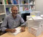 William Cortvriendt signeert zijn nieuwe boek Kankervrij
